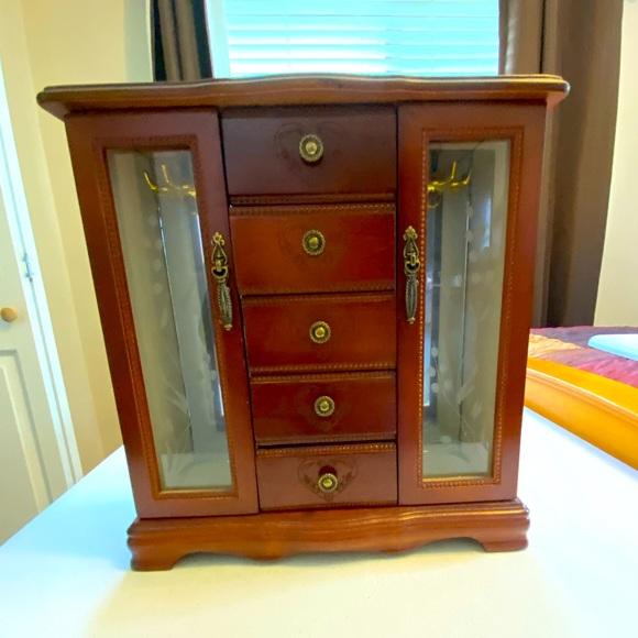 Jewelry box curio cabinet